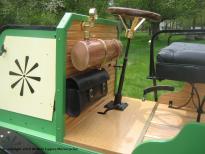 1898-daimler-truck-steering-wheel-closeup